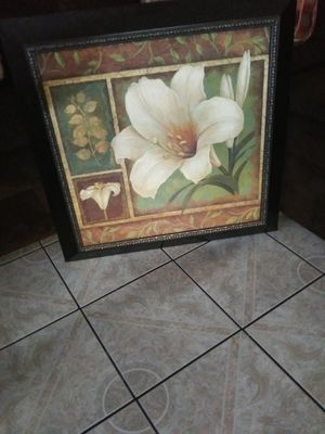 Kirkland picture frame $15 firm for Sale in Moreno Valley, CA