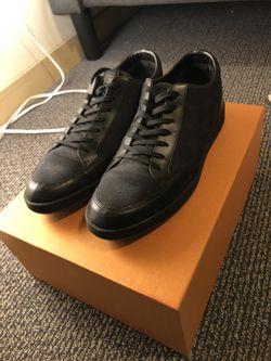 Louis Vuitton Offshore Sneaker size 8 (US 9) for Sale in Seattle,  WA