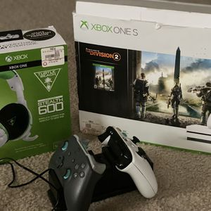 Xbox One S 1 TB Package Deal for Sale in Kissimmee, FL