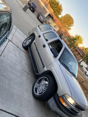 Chevy Tahoe 2004 for Sale in Palmdale, CA