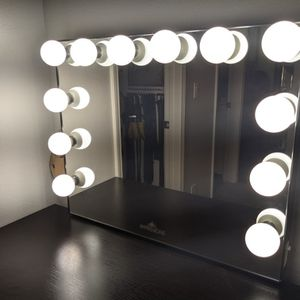 Impressions Vanity Mirror for Sale in Aliso Viejo, CA