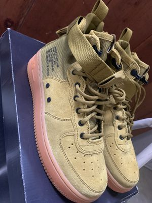 BRAND NEW NIKE SF AIR FORCES 5.5YOUTH for Sale in San Francisco, CA