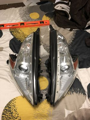 2009-2019 Nissan 370Z Headlights PERFECT CONDITION. for Sale in South Gate, CA