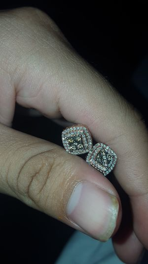 Rose gold diamond earings for Sale in Hayward, CA