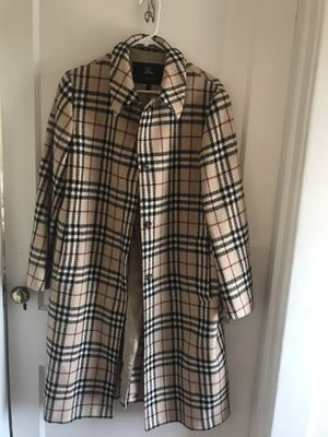 Authentic Plaid Burberry Ladies coat for Sale in Greensburg, PA