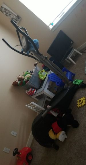 Elliptical battery operated for Sale in Tacoma, WA