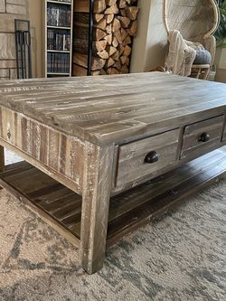 Rustic Coffee Table for Sale in Issaquah,  WA