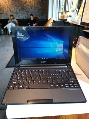 Acer Laptop Nice Clean Like New Windows 10 Microsoft Office Antivirus for Sale in Miami, FL