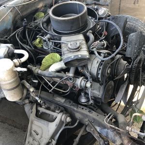305 Chevy V8 for Sale in Clovis, CA