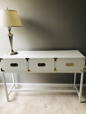 White desk table never been used for Sale in Hanover, MD