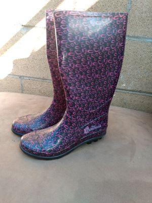 DISNEY DESCENDANTS RAIN BOOTS LIKE NEW for Sale in La Habra, CA