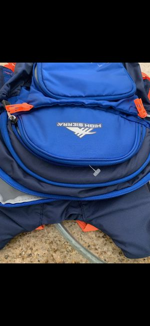 New high Sierra hydration backpack for Sale in Corona, CA