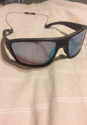 OAKLEY SPLITSHOT SUNGLASSES for Sale in San Antonio, TX