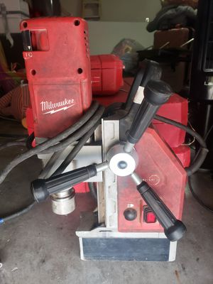 Milwaukee electromagnetic drill for Sale in Midland, TX