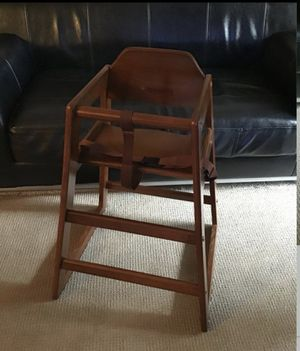 KIDS WOOD CHAIR EXCELLENT CONDITION for Sale in Bothell, WA