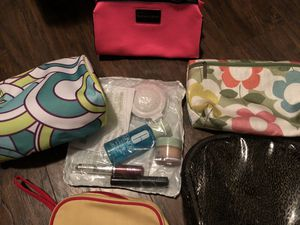 Lot of cosmetic bags Clinique and Victoria secret and misc bags for Sale in Brandon, MS