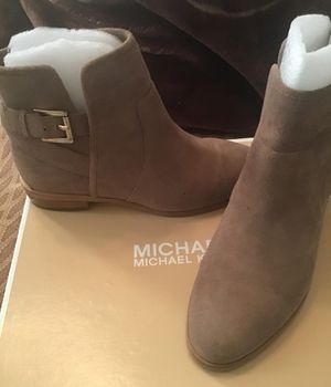 Botines michael Kors from Macy's 6 M for Sale in Bell Gardens, CA