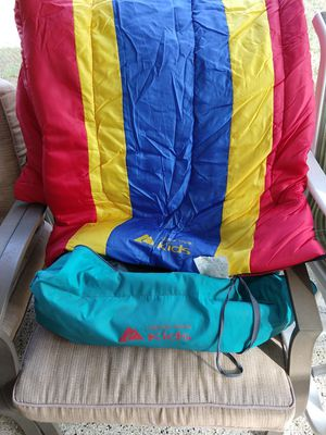 Child's ⛺ tent & sleeping bag for Sale in Palmetto, FL