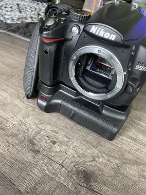 Professional camera Nikon D5000 for Sale in Wayne, IL