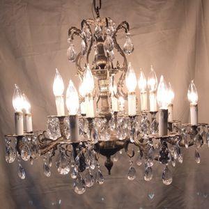 Beautiful Vintage Crystal Chandelier for Sale in West Sacramento, CA