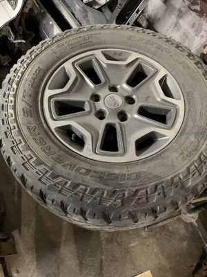 Jeep Wrangler wheels 17s for Sale in Fort Worth, TX