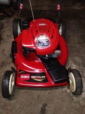 22 inch cut Toro lawn mower for Sale in St. Petersburg, FL