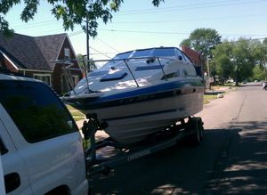 Bayliner 2455 $3500.00.Needs Motor and Outdrive for Sale in Detroit, MI