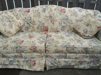 B royhill Couch And love seat for Sale in Cleveland,  OH