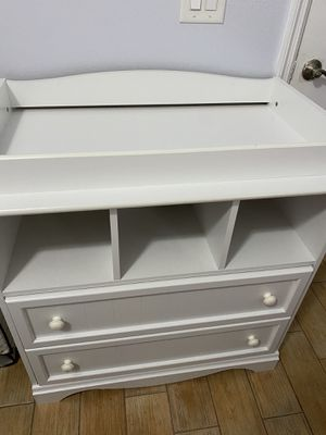 Baby changing table for Sale in Alafaya, FL