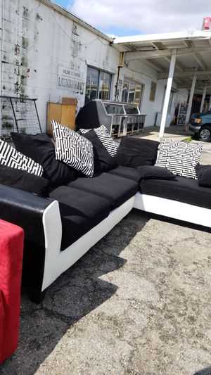 Sectional Couch 2pieces for Sale in Newport News, VA