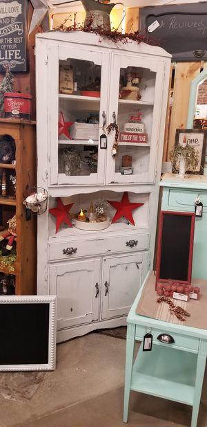 White Farmhouse Corner Cabinet for Sale in Sumner, WA