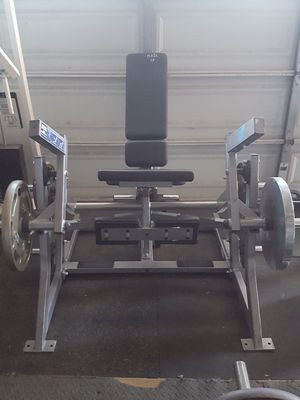 Hammer strength plate loaded leg extension for Sale in Corona, CA