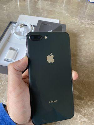 iPhone 8 Plus space gray 64gb factory unlocked (desbloqueado para todas las compañías) for Sale in Rosemead, CA
