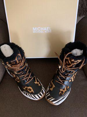MICHAEL KORS SIZE 7.5 $185 Dlls NUEVO ORIGINAL MICHAEL KORS for Sale in Fontana, CA