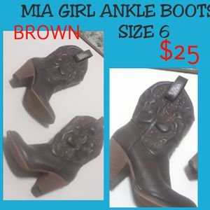 MIA GIRL ankle boots size 6 for Sale in Springfield, IL