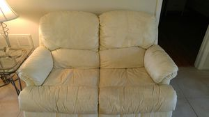 Couch and TV for Sale in NEW PRT RCHY, FL