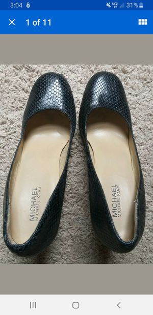 Michael Kors womans size 9 for Sale in Marietta, GA