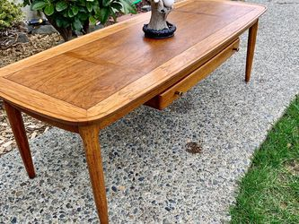 "RARE VINTAGE MCM SURFBOARD STYLE COFFEE TABLE ""Sophisticate By Tomlinson"" for Sale in Tacoma,  WA"