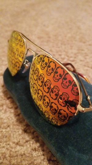 Gucci Metal Skull Aviator Sunglasses, Gold/Orange for Sale in Harrisburg, PA