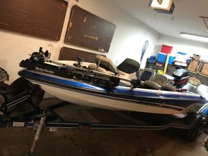 Great boat for your family to enjoy or to take a fishing trip with this summer for Sale in SUGARCRK Township, OH