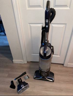 Hoover UH73510 React Powered Reach Plus Vacuum Cleaner for Sale in Beaverton, OR
