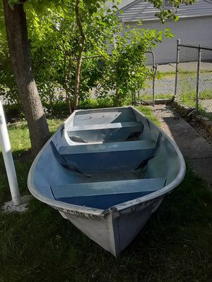 12ft aluminum row boat for Sale in Dearborn, MI