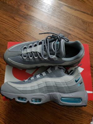 NIKE AIR MAX 95 for Sale in Snellville, GA