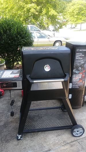 Bluetooth Masterbuilt digital charcoal smoker for Sale in College Park, GA