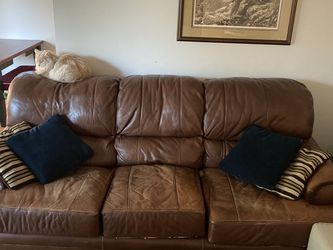 Brown Leather Couch (cat not included) for Sale in Lake Oswego,  OR