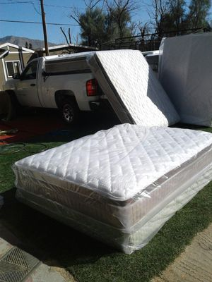 Set queen 225 for Sale in Beaumont, CA