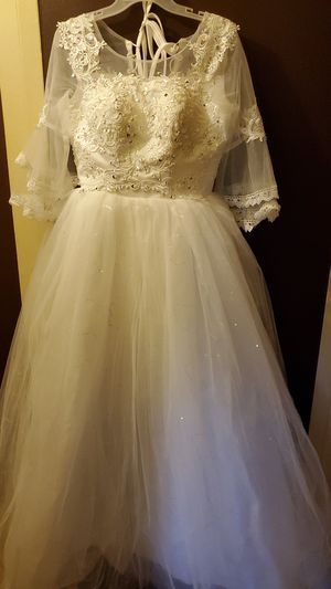 White ball gown dress for Sale in Philadelphia, PA