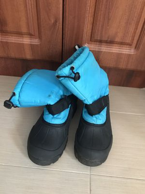 Kids size 3 snow boots for Sale in Pembroke Pines, FL