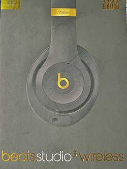 Beats Studio3 Wireless, Black & Gold for Sale in San Antonio,  TX