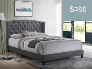 PLATFORM KING BED FRAME no mattress for Sale in Scottsdale, AZ